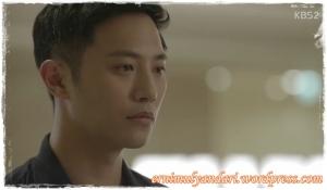 Jin Goo sebagai Senior Seo Dae Young