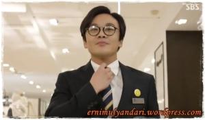 Kim In Kwon sebagai Kim Young Soo (41)